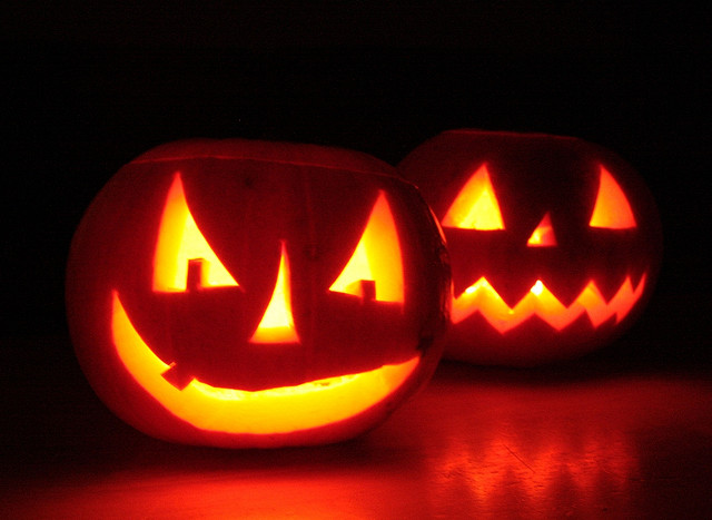 Playlist | Happy Halloween Folk Fans!